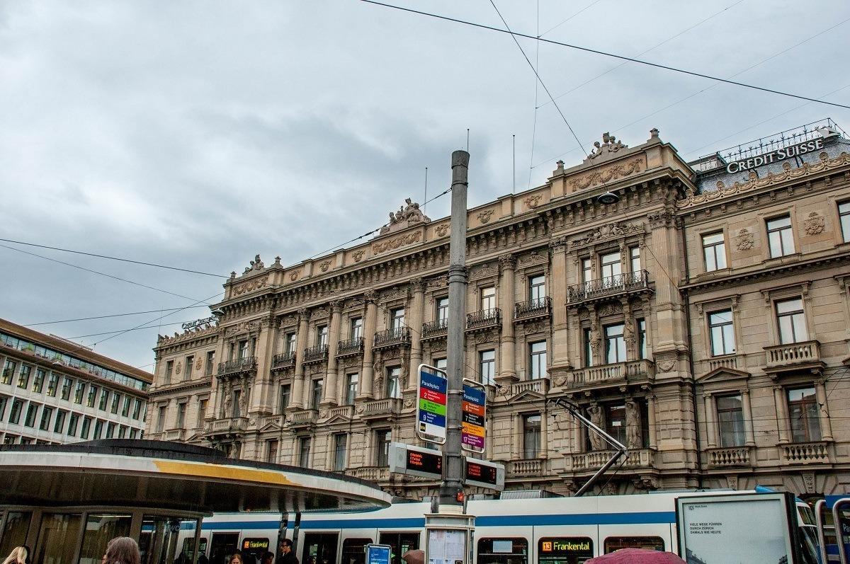 Paradeplatz transit center