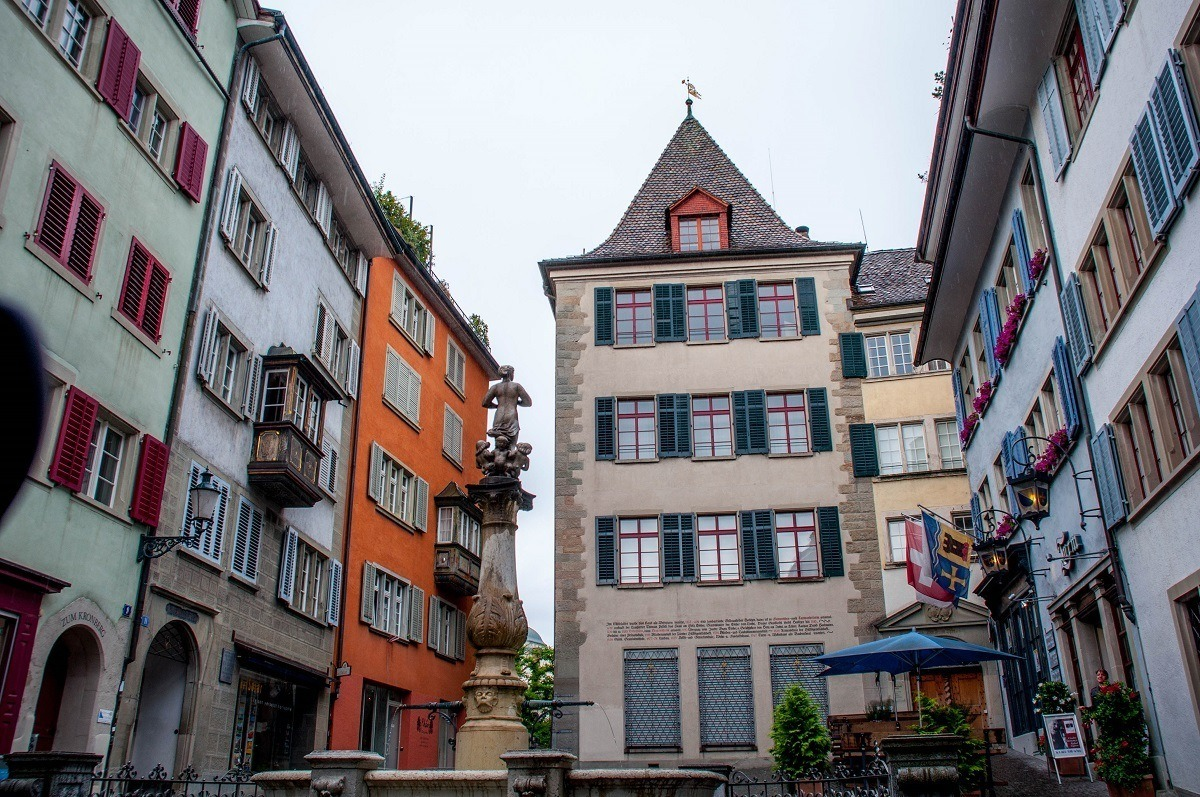 A fountain and cute buildings in Zurich's old town