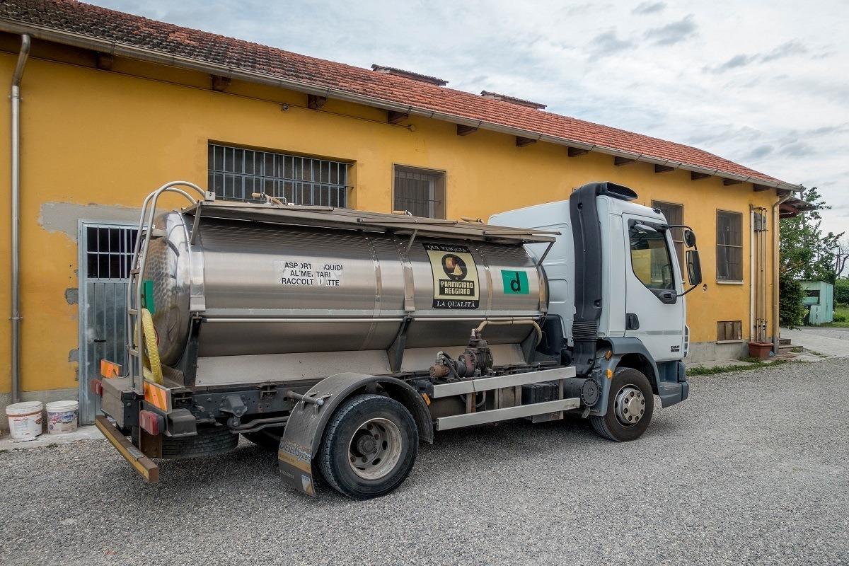 Truck delivering milk at a Parmigiano-Reggiano dairy