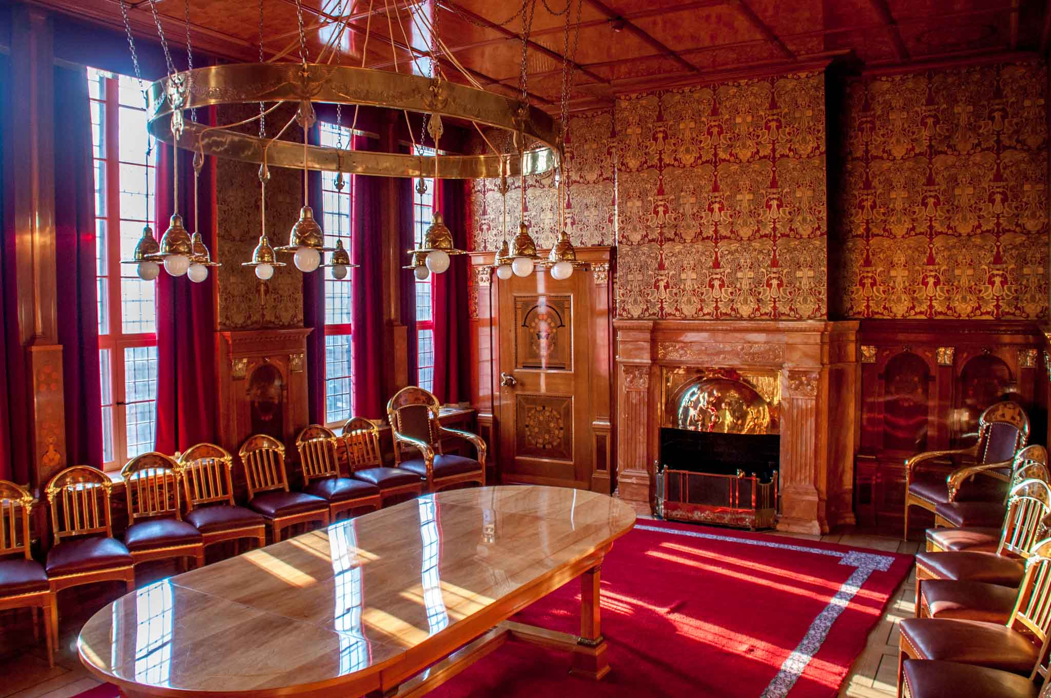 Golden Chamber meeting room decorated in red and gold