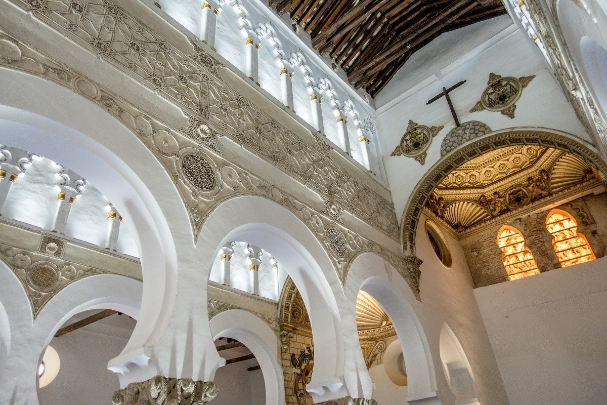 Details inside the Synagogue of Santa Maria la Blanca