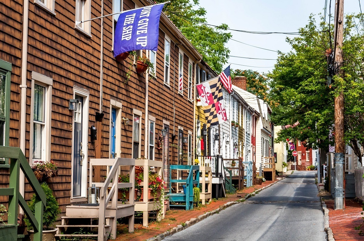 Walking down the charming streets is one of the fun things to do in Annapolis Maryland