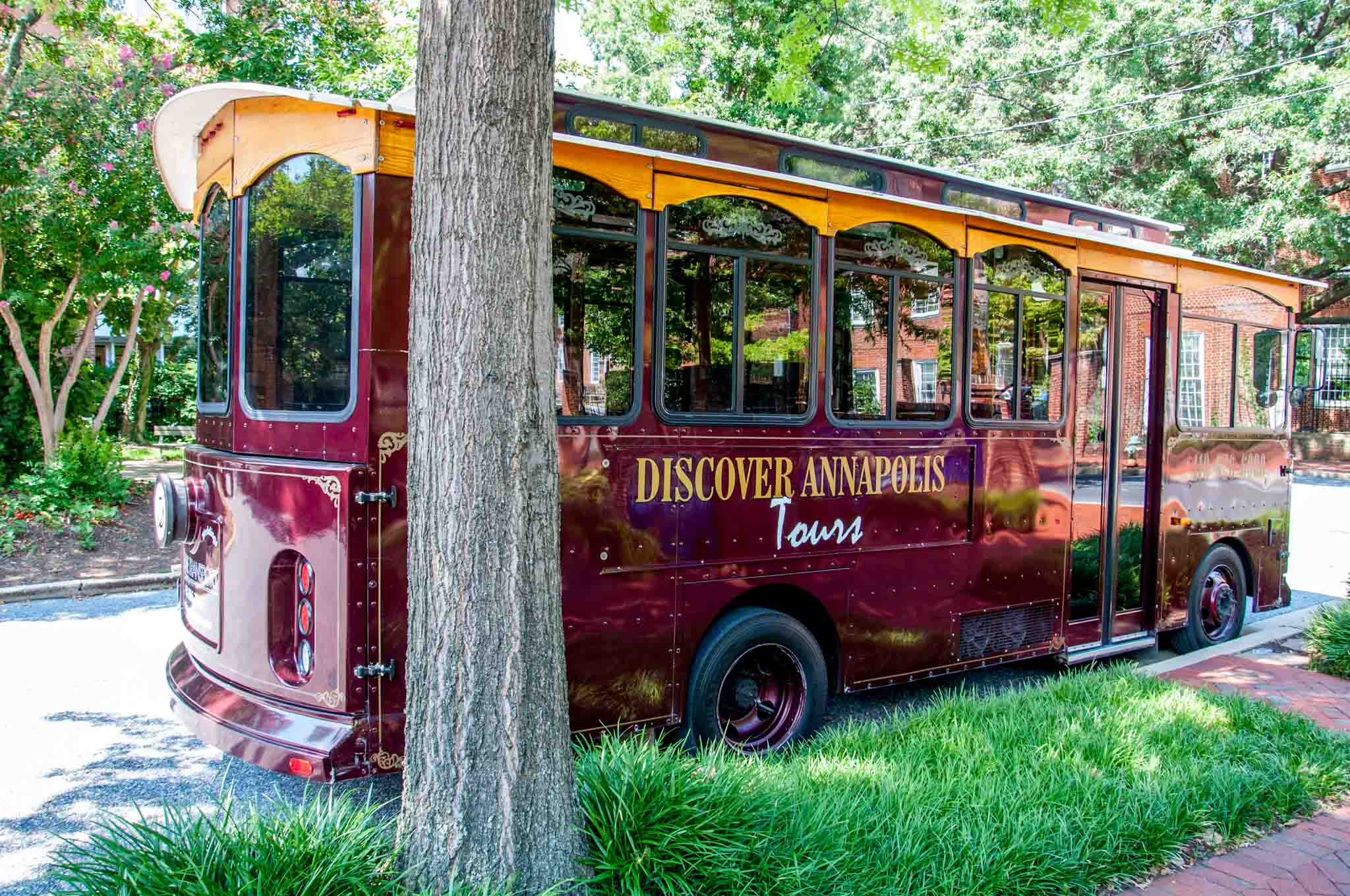 Red Discover Annapolis trolley car