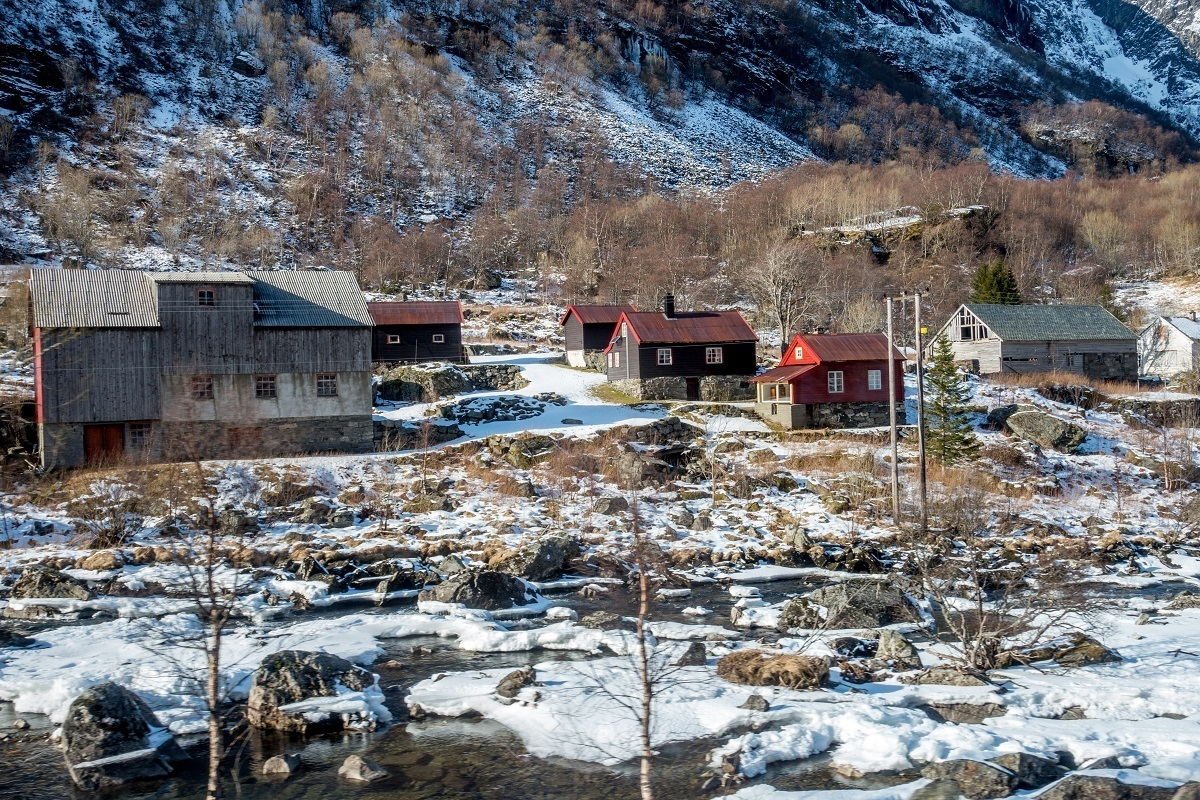 Colorful buildings along the Flam railway as seen on a DIY Norway in a Nutshell tour