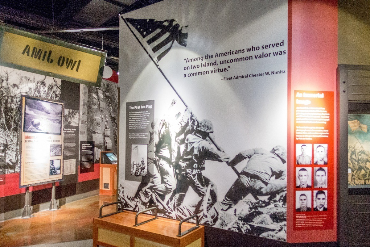 Panels with information about the Pacific War