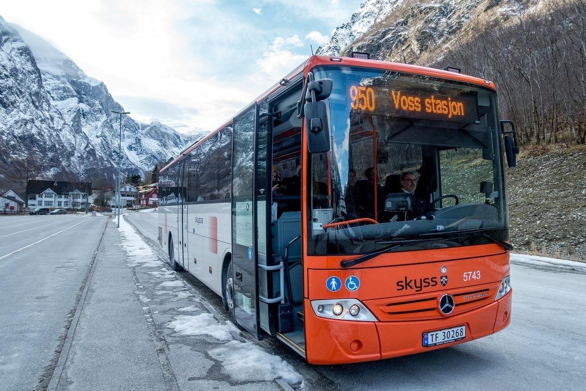 Bus 950 from Gudvangen to Voss
