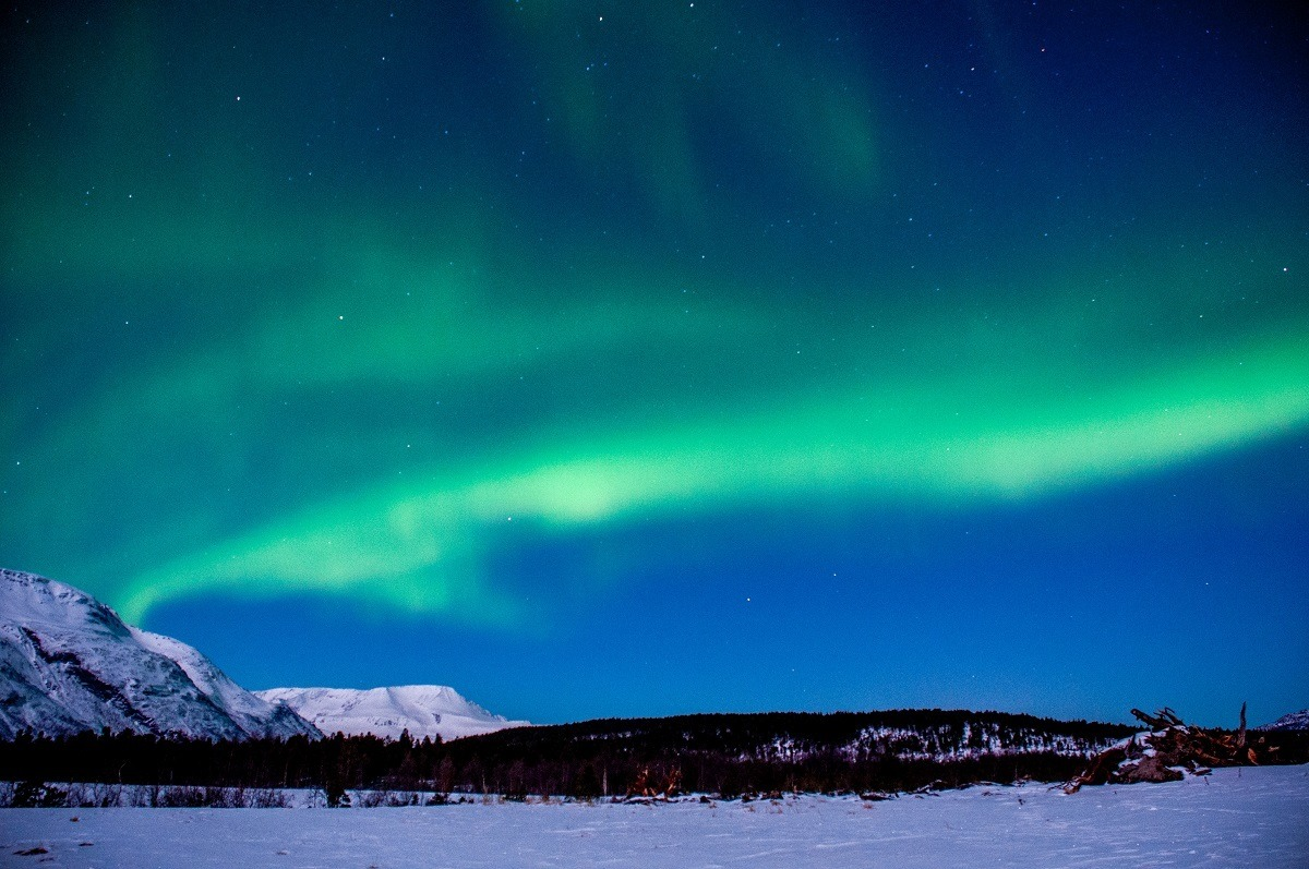 Seeing the aurora borealis on a Northern Lights Tour