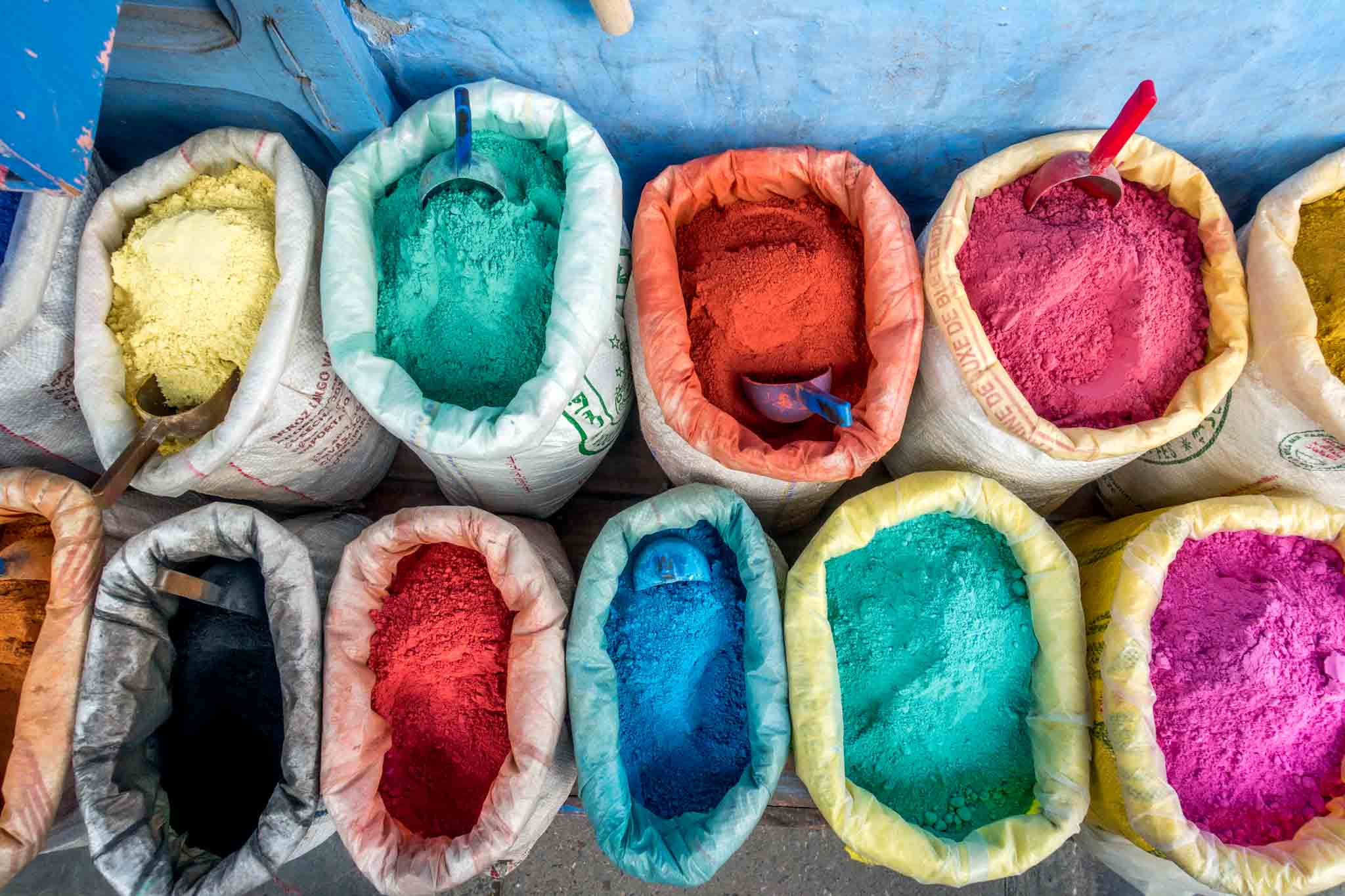 Brightly-colored pigments