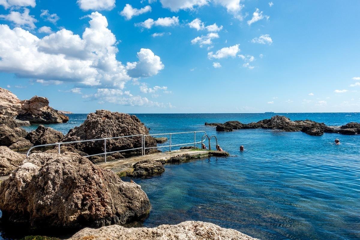 Rock ramp into the ocean
