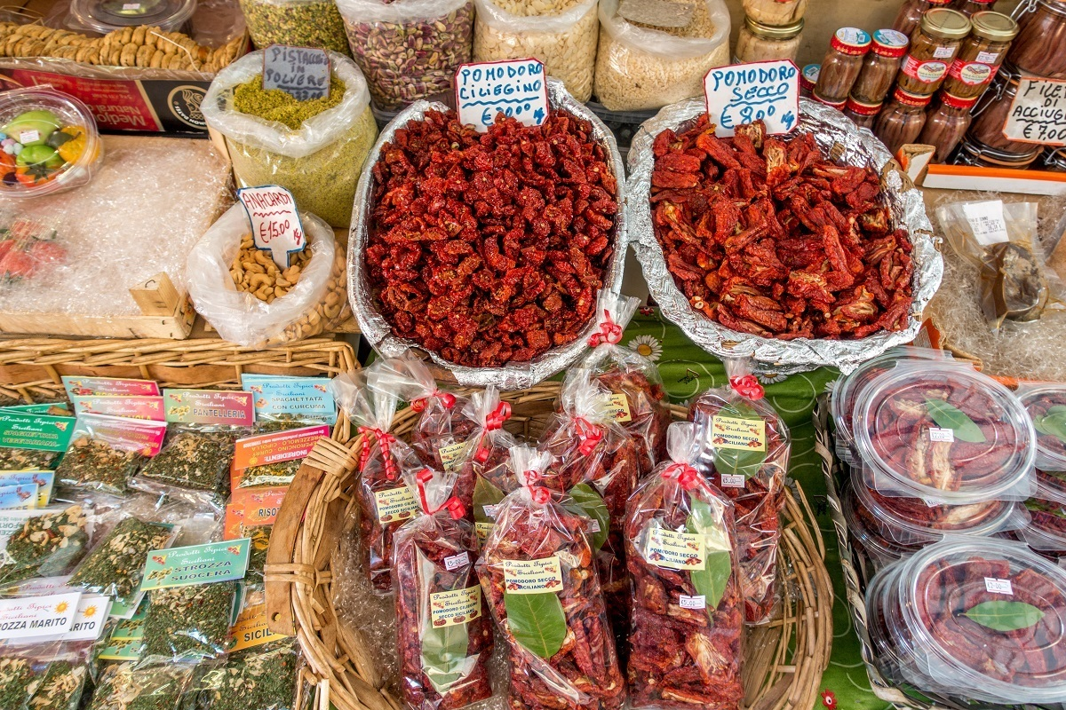 Sundried tomatoes and spices for sale