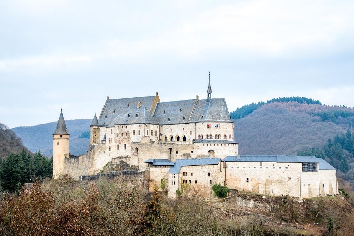 White hilltop castle, Vianden Castle