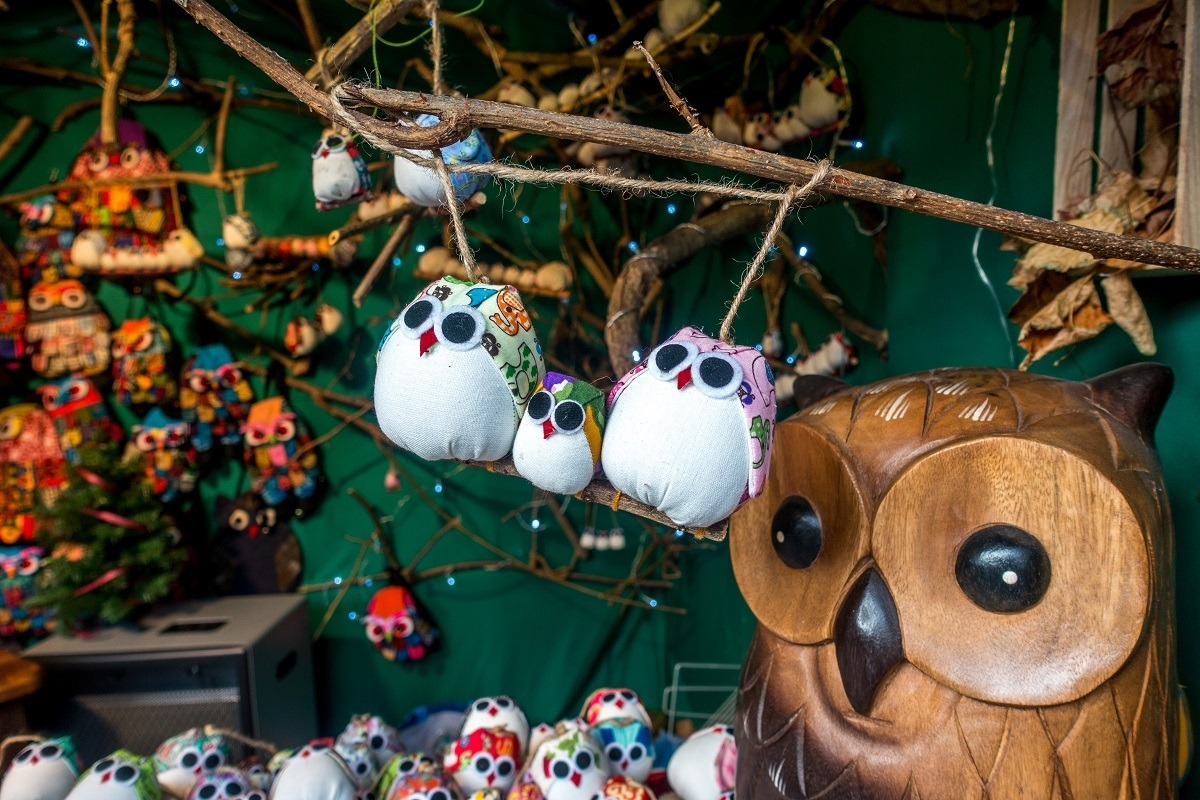 Owl ornaments and crafts for sale